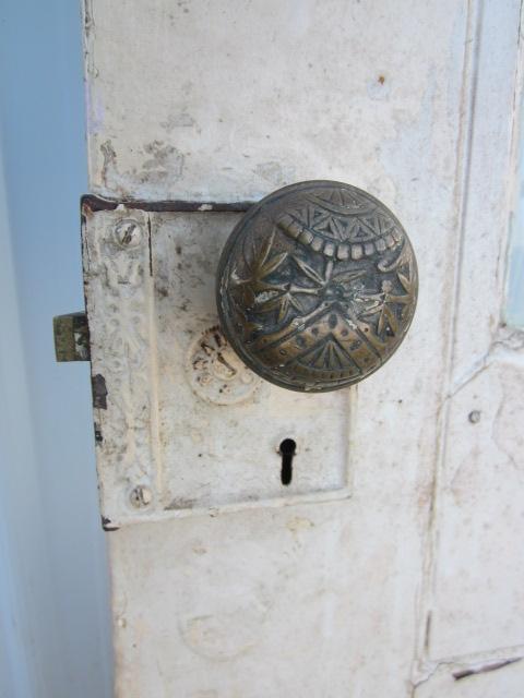 01-21-2013 Antique Eastlake Door 003